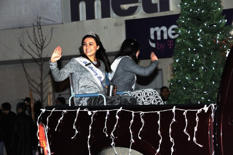 Atwater Christmas Parade 2021 Atwater Celebrates A Season Of Thanks With Christmas Parade Merced County Times